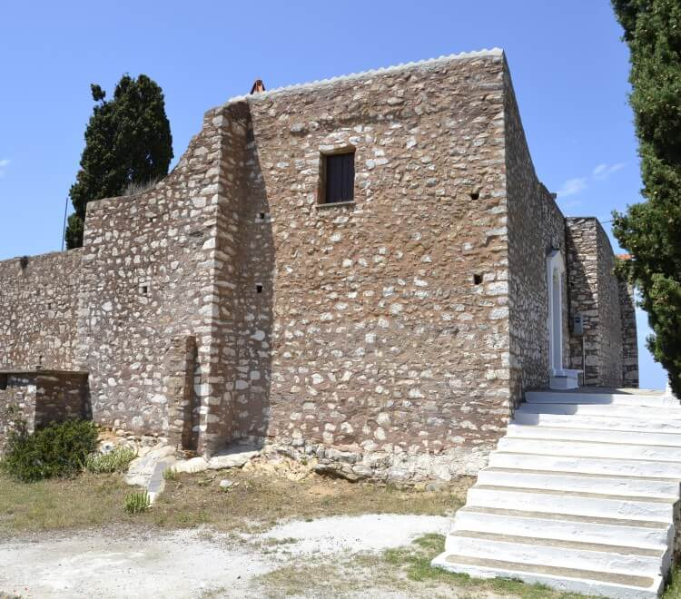 chapels and monasteries near skopelos country villas