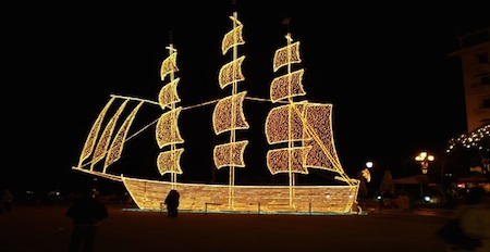 Christmas traditions in Greece - the Christmas boat lit up