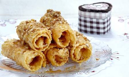 Christmas Traditions in Greece - Thiples Sweets